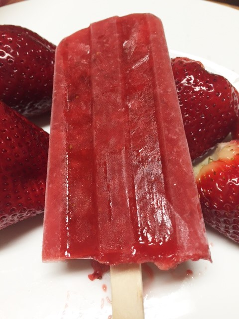 strawberrypopsicles1